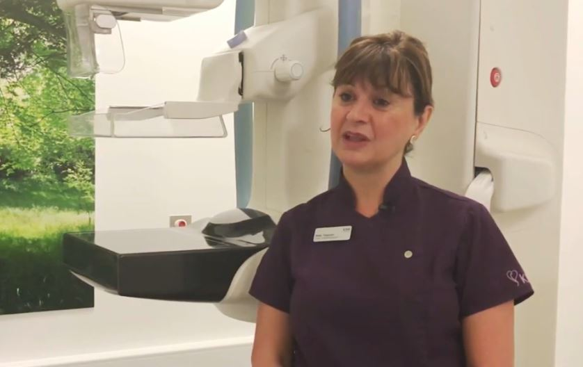 Breast screening thumbnail with lead mammographer