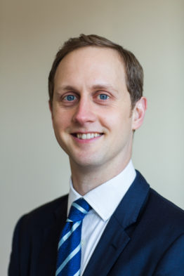 Mr Loren Charles Consultant Orthopaedic Surgeon